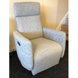 SHOWROOM CLEARANCE ITEM - Celebrity Ikon Eclipse Dual Power Swivel Recliner which is cordless