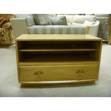 SHOWROOM CLEARANCE ITEM - Ercol Furniture Windsor 2094 / 3832 Widescreen TV Cabinet
