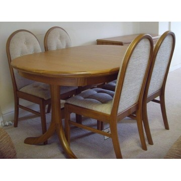 showroom clearance item sutcliffe trafalgar collection dining table