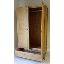 SHOWROOM CLEARANCE ITEM - Ercol Furniture Bosco 2 Door Wardrobe - Model 1365