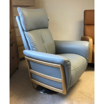 SHOWROOM CLEARANCE ITEM - Ercol Furniture Ginosa Swivel Recliner Chair in Leather
