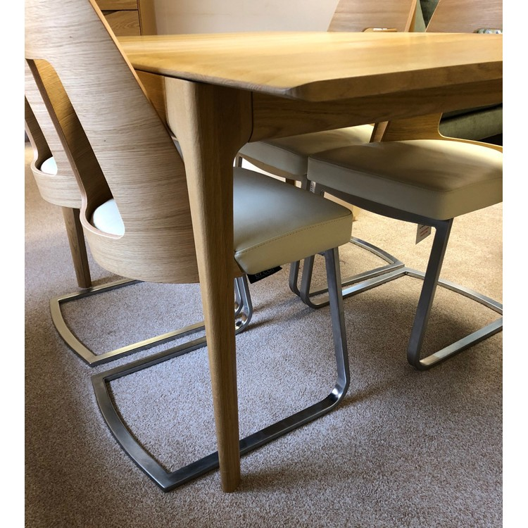 Fabulous Showroom Clearance Item Ercol Furniture Romana Dining Table And 4 Cantilver Leather Chairs Download Free Architecture Designs Salvmadebymaigaardcom