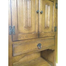 SHOWROOM CLEARANCE ITEM - Old Charm drinks cabinet