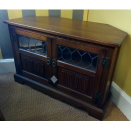 SHOWROOM CLEARANCE ITEM - Old Charm TV Unit with doors - Model 2264