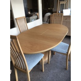 SHOWROOM CLEARANCE ITEM - Skovby Oak Dining Suite