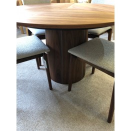 SHOWROOM CLEARANCE ITEM - Skovby Walnut SM33 Dining Table with SM63 chairs
