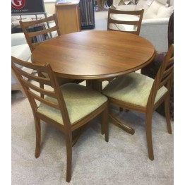 SHOWROOM CLEARANCE ITEM - Sutcliffe Dining Set of Table and 4 Chairs - 239 circular extending table