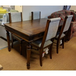 SHOWROOM CLEARANCE ITEM - Old Charm Furniture Rochford Dining Suite