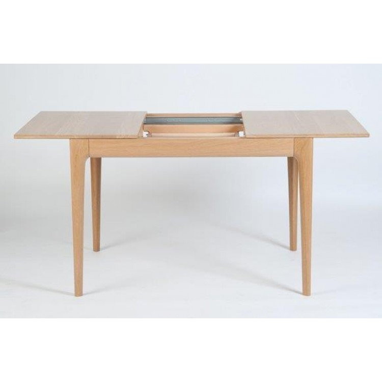 Ercol 2640 Romana Small Extending Dining Table