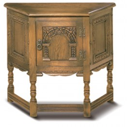 1434 Wood Bros Old Charm Canted Table